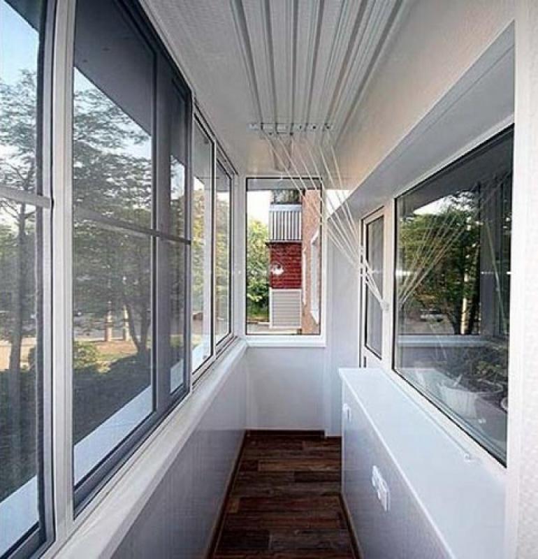 Внутренняя отделака балкона при холодном остекленении..